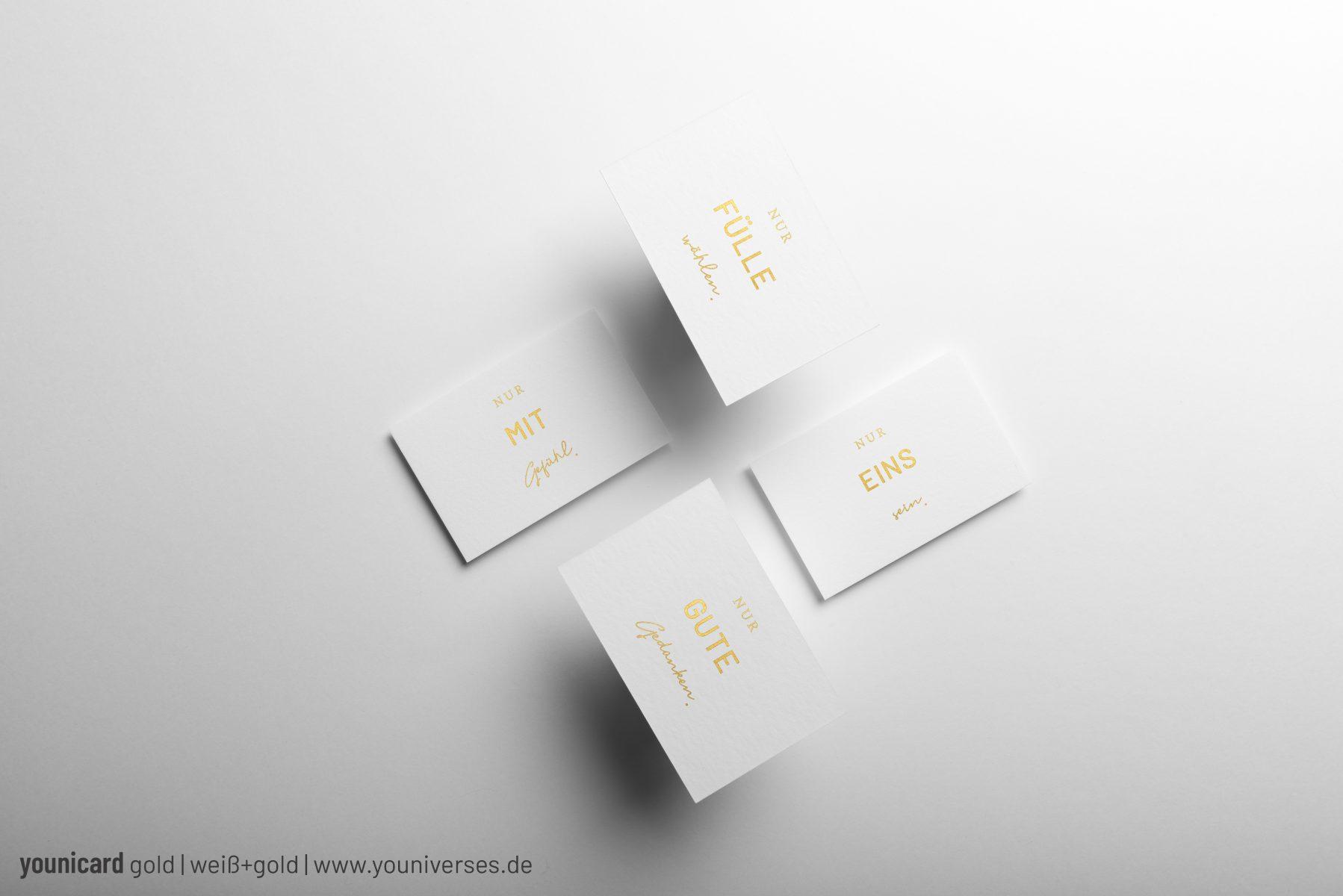 Wunderschöne Affirmationskarten im Visitenkartenformat (85x55mm) mit Farb- bzw. Goldschnitt. Jedes Stück wird in liebervoller Handarbeit produziert.